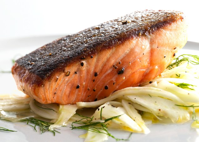 pan-roasted-salmon-with-fennel-salad